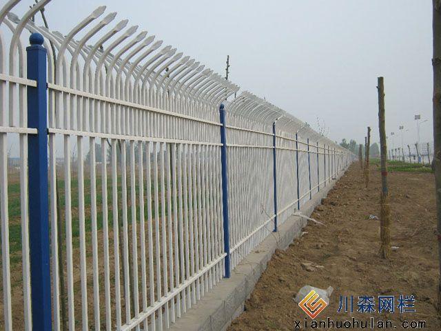 双边丝锌钢护栏高度是多少?
