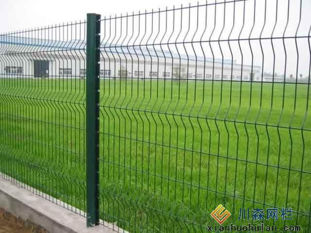 工厂车间锌钢护栏如何让护栏网寿命更长