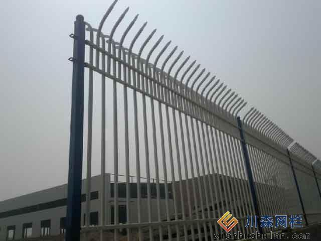 生产车间锌钢护栏施工注意事项说明