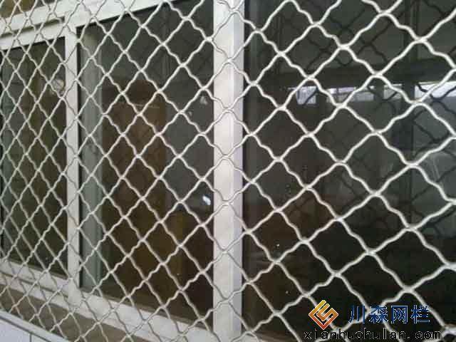 公园护栏网可以用膨胀螺丝固定吗
