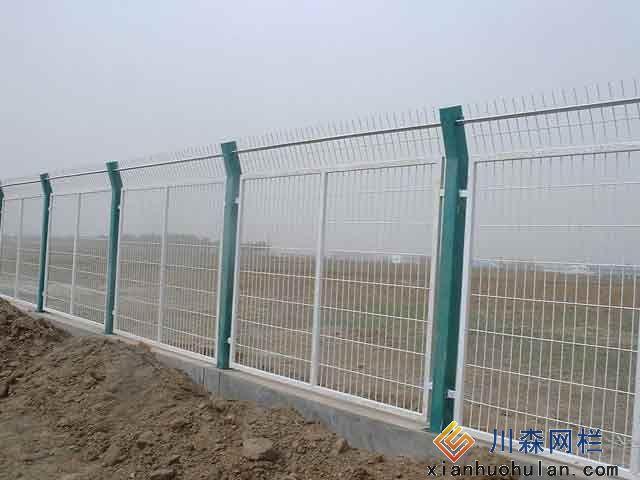 铁路路基锌钢护栏为什么以绿色为主