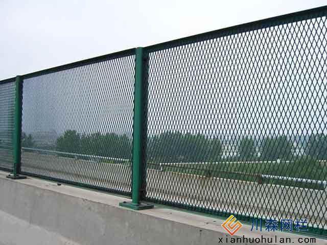 飞机场锌钢护栏生产公司