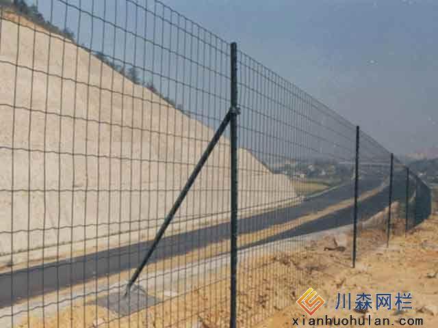 车站护栏网隔离