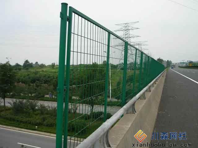 山上锌钢护栏优点各是什么?