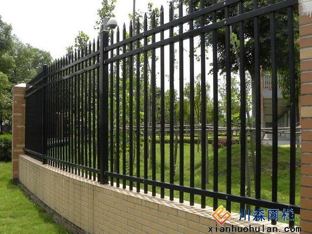 煤场锌钢护栏安装注意事项