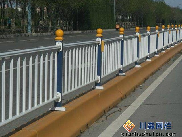 市场锌钢护栏怎么安装护栏网